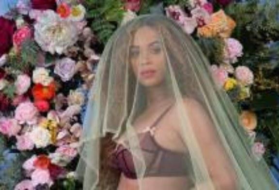 Beyoncé Released More Pregnancy Pics . . . Including a Few Nudes